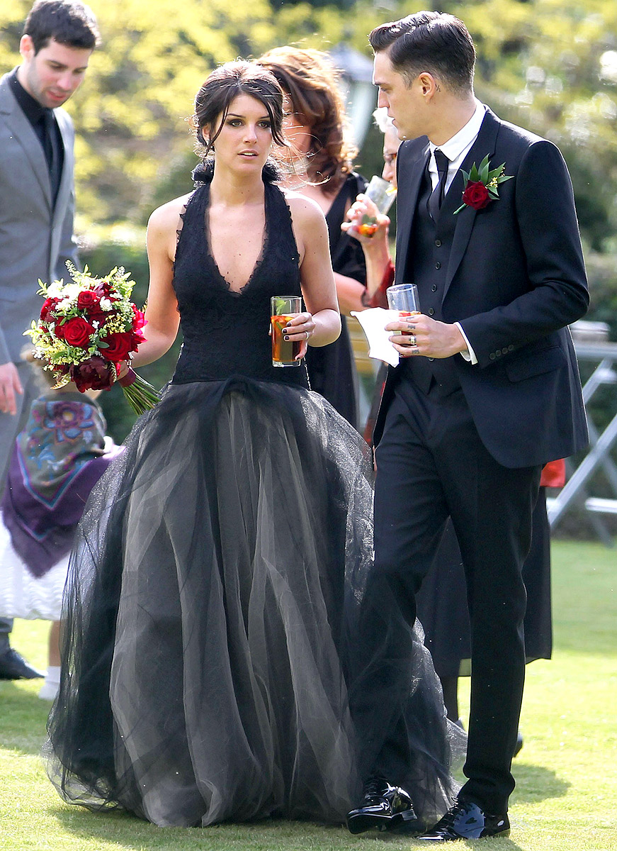 1368460899_shenae-grimes-wedding-zoom