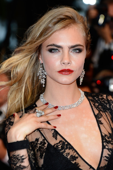 Cara+Delevingne+Long+Hairstyles+Long+Straight+dF1GY0Ec6z8l