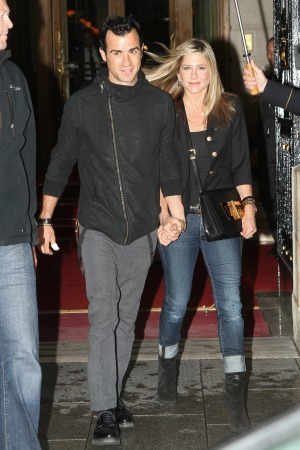 Jennifer-Aniston-Justin-Theroux-bday