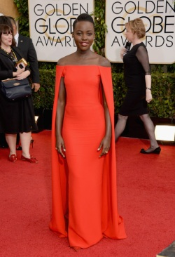 Lupita Nyong'o 71st+Annual+Golden+Globe+Awards+Arrivals+4M82hZdNsgbl