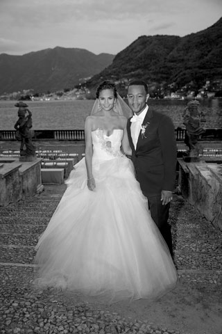 elle-john-legend-chrissy-teigen-wedding-de