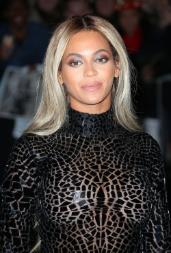 9.Beyonce_Knowles_DFSDAW_014