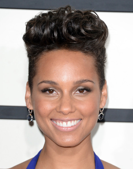 Alicia+Keys+Arrivals+Grammy+Awards+Part+3+rAd6Aw8ck7zl