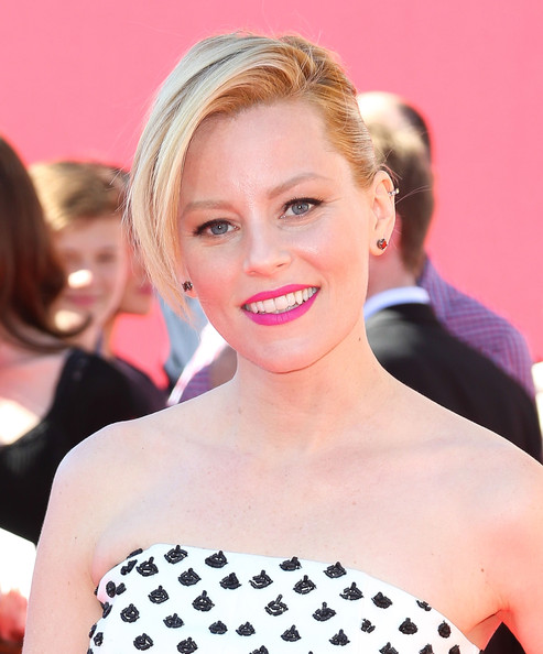 Elizabeth+Banks+Premiere+LEGO+Movie+Arrivals+_HFIj0zzCqpl