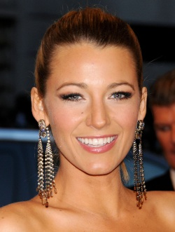 2.Blake_Lively_2013_Costume_Institute_Benefit_004