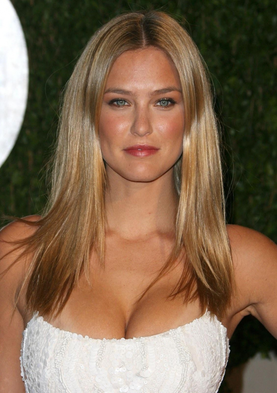 936full-bar-refaeli