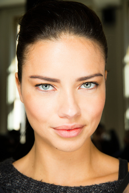 Jason-Wu-Fall-2014-beauty-12-adriana-lima