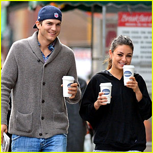 ashton-kutcher-mila-kunis-coffe-couple