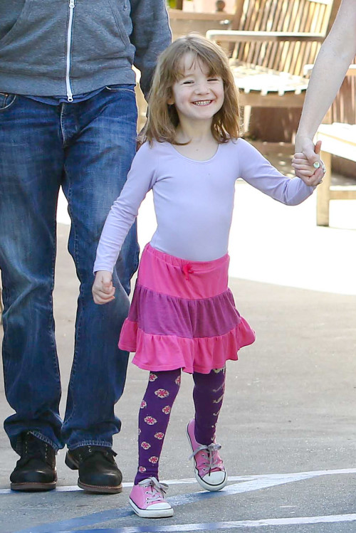Alyson Hannigan shops with her family