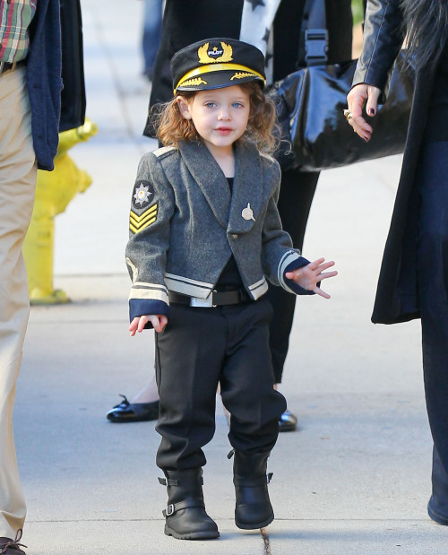 Semi-Exclusive... Pregnant Rachel Zoe Takes Skyler To A School Halloween Party