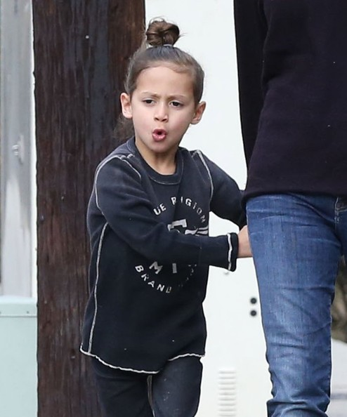 Max+Muniz+Jennifer+Lopez+Twins+Out+Stroll+-tvzmZGypUwl