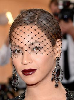 Beyonce+Knowles+Red+Carpet+Arrivals+Met+Gala+fhGTngm1MHEl