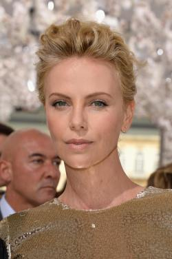 Charlize Theron_03