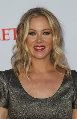 Christina-Applegate_bangtidy-net_808679