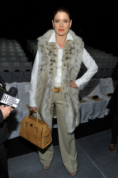 Debra+Messing+Outerwear+Vest+YT5iWVqiQPbl