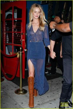 rosie-huntington-whiteley-sheer-dress-show-off-assets-01-468x700