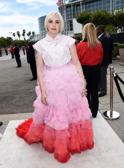 Lena Dunham 66th+Annual+Primetime+Emmy+Awards+Arrivals+xZ1PMhgtHA_l