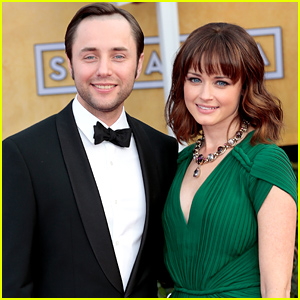 alexis-bledel-vincent-kartheiser-got-married-in-secret