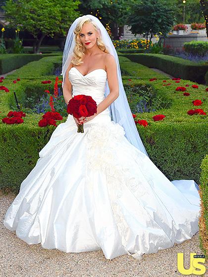1409781217_donnie-wahlberg-jenny-mccarthy-wedding-11-560