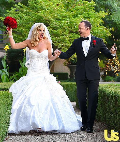 1409850627_donnie-wahlberg-jenny-mccarthy-wedding-2-560