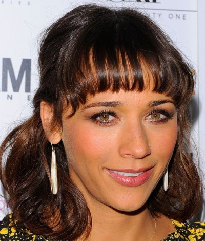 2011-Rashida-Jones-Medium-length-hairstyles