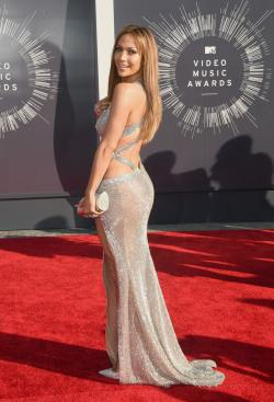 2014_MTV_Video_Music_Awards_Arrivals_y3k8msUhMXQx