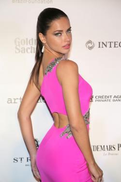 Adriana Lima 3rd BrazilFoundation Gala Miami 031514_5