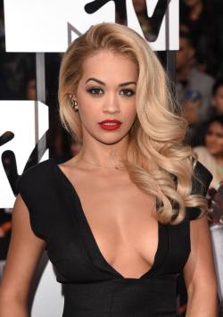 Rita_Ora_2014_MTV_Movie_Awards_Arrivals_nixBHMdfBk3x