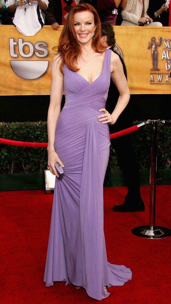 marcia-cross-lilac-dress-sag-awards-2006-01