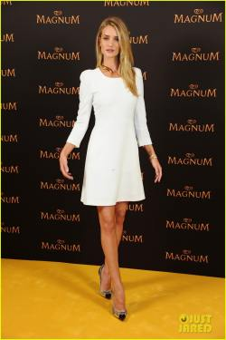 rosie-huntington-whiteley-debuts-new-magnum-short-film-14