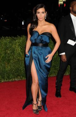 Kim Kardashian_05.05.14_DFSDAW_010