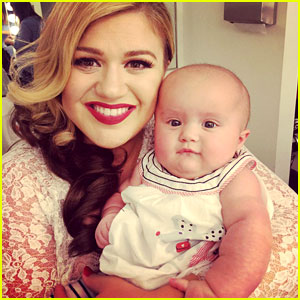 kelly-clarkson-brings-baby-river-to-music-video-shoot