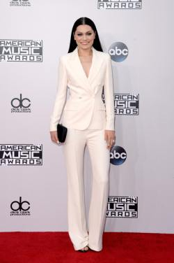 2014+American+Music+Awards+Arrivals+FNWWrCbgpXzl