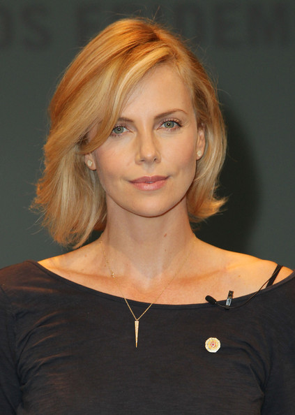 Charlize+Theron+UNAIDS+Launches+New+Fast+Track+mc52Hp0-3Izl