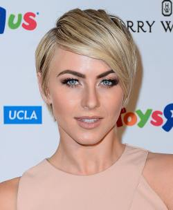 Julianne Hough_10.04.14_DFSDAW_008