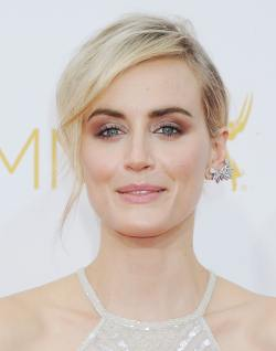 Taylor Schilling_25.08.2014_DFSDAW_003