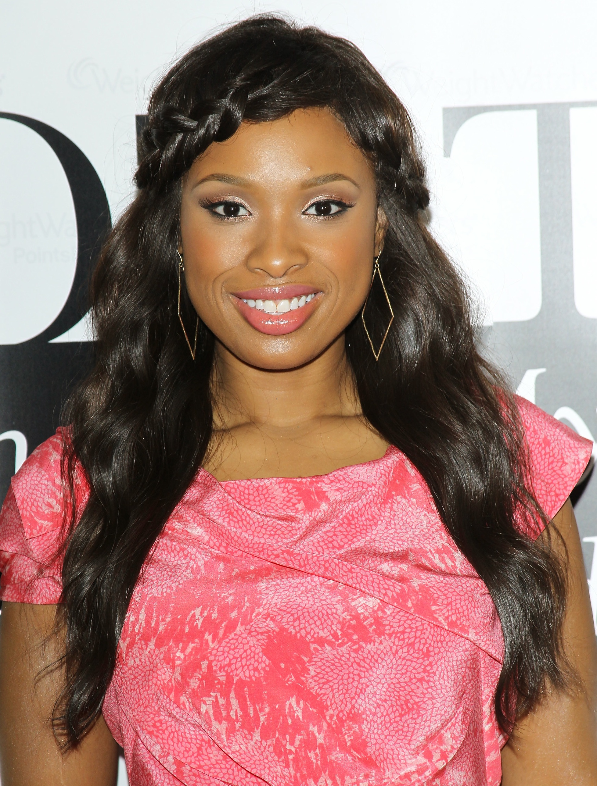 """Jennifer Hudson Signs Copies Of Her New Memoir """"I Got This"""" At Los Angeles Weight Watchers Center"""