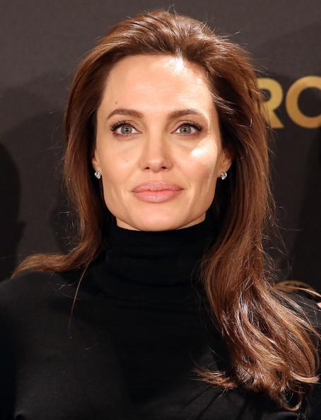 Angelina+Jolie+Unbroken+Photocall+Berlin+SWGG22uyvBil