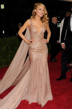 Blake Lively (Charles James Beyond Fashion Costume Institute Gala)