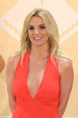 Britney Spears - Unveils new collection 069