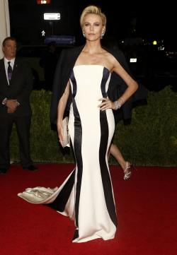Charlize Theron ( 'Charles James Beyond Fashion' Costume Institute Gala)