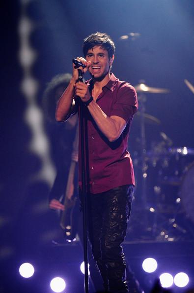 Enrique+Iglesias+MTV+EMA+2014+Show+LqM-b3fM6TKl