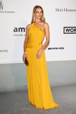 Rosie Huntington-Whiteley (amfAR's 21st Cinema Against AIDS Gala)