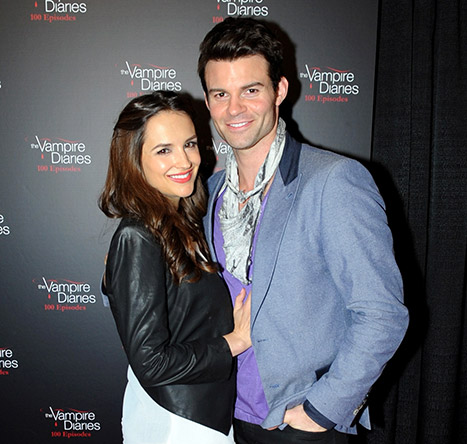 1421957902_rachael-leigh-cook-daniel-gillies-article
