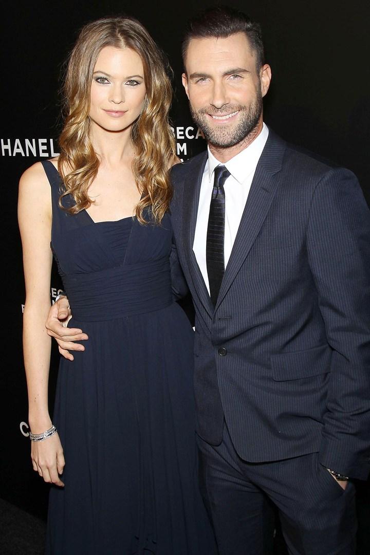 Adam Levine marries Behati Prinsloo