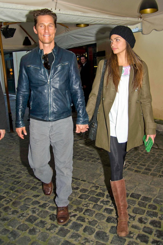 Matthew McConaughey and Camila Alves romantic dinner in Rome **USA ONLY**