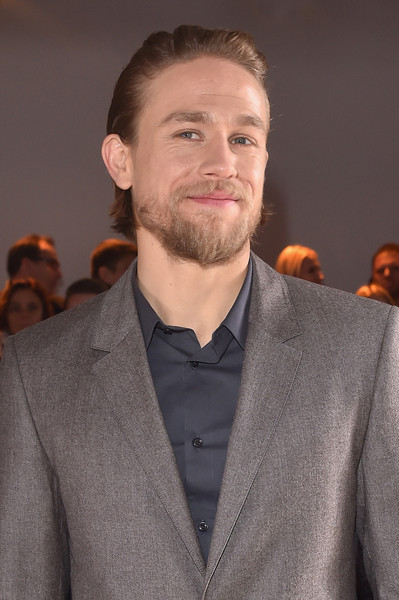 Charlie+Hunnam+CALVIN+KLEIN+COLLECTION+Front+vi_8IwrIIUel