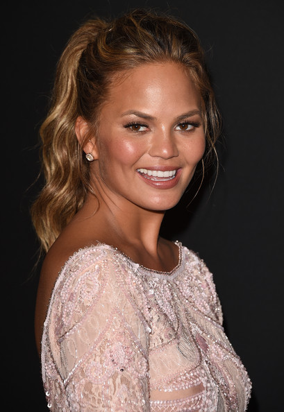 Chrissy+Teigen+InStyle+Warner+Bros+Golden+_kQJLwKBS4Cl