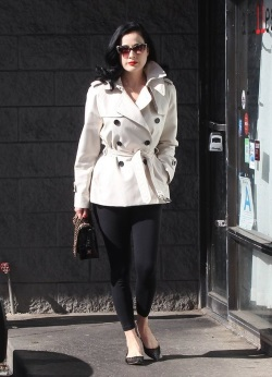 Dita+Von+Teese+Leaving+Pilates+Class+m4w7yww5EOql