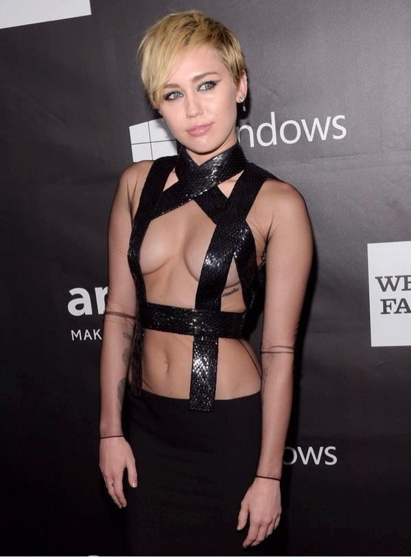 Miley-Cyrus-Rihanna-2014-AmFar-8